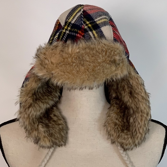 ce8dd2ef78782 American Eagle Outfitters Accessories - American Eagle Outfitters Trapper  Hat